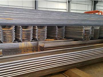80.000 toneladas tablestacas en stock para entrega inmediata.